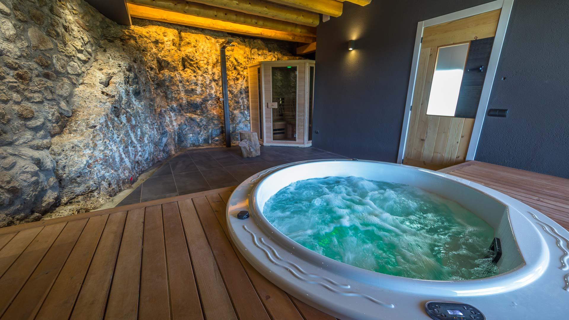 jacuzzi, sauna, aigua